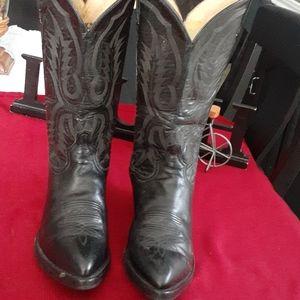 Tony Lama cowboys boots.